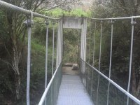 Puente hacia el otro lado del río