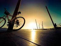 Coge tu bici y disfruta de los atardeceres de Santander