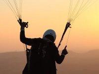 滑翔伞飞行EspuñaAdventure徽标