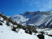 montana nevada con un cielo despejado