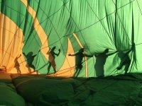 Sombras tras la vela del globo
