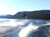 Rising in the wake board