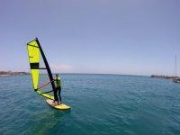 Navegando en tabla de windsurf Playa del Inglés