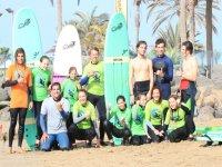 Grupo de niños curso de surf Maspalomas