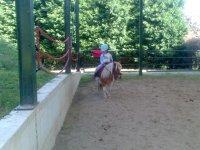 Peque en el pony