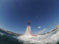 Flyboard在海上与实践Flyboard膨胀