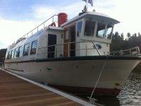 nuestro barco para las salidas en extremadura