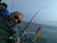 Pesca desde barco en Gijon