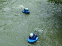 Surcando las aguas bruvas