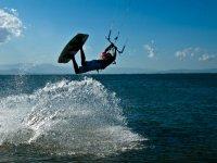 Salto con cometa de kite
