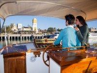 Controlling the boat in Guadalquivir