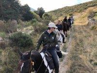 Guia liderando la ruta en el Tietar