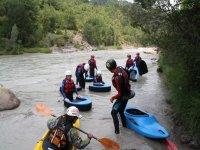 En kayak para aguas bravas