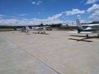Avionetas en la pista