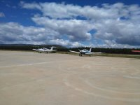 Dos de las aeronaves sobre el asfalto