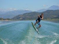 Salto de esqui acuatico