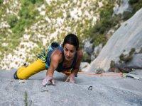 climbing girl sight ground