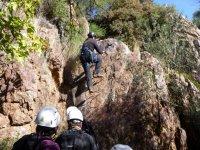 防滑的铁索攀岩莫伦特高峰