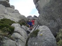 entre rocas