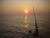 在巴伦西亚海滩钓鱼