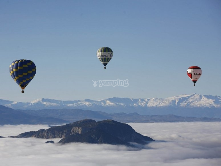 Various balloons with the mountains sights
