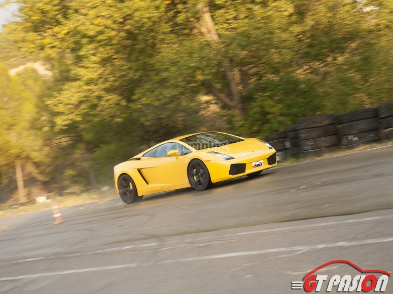 Pilotando un Lamborghini