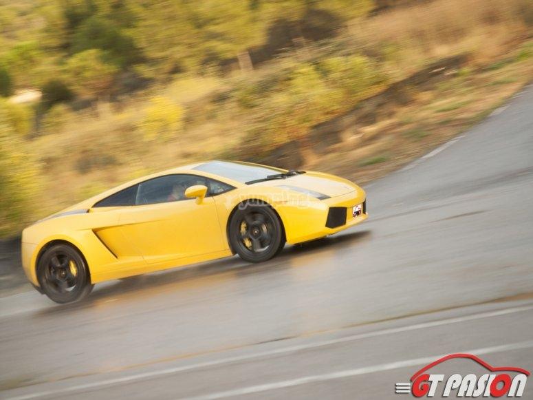 Al volante del Lamborghini