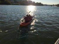 乘皮划艇探索韦尔瓦