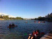 划皮艇划船