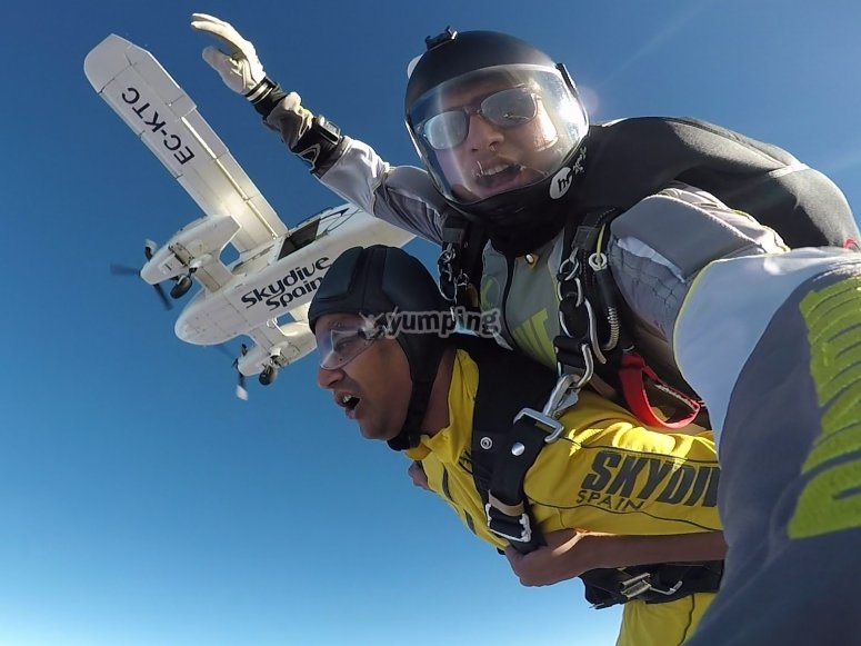 Jump from more 4 thousand meters