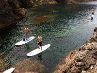 navigando attraverso il Mediterraneo in paddle surf