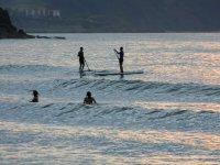 paddle surf con las olas
