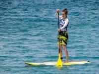 Haciendo una travesia de stand up paddle