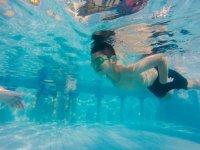 Peque en natacion