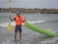 preparado para hacer kayak