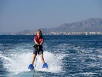 Learn to do water skiing
