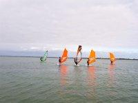Clase de windsurf en grupo en la Costa de la Luz