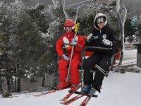准备好一天的滑雪