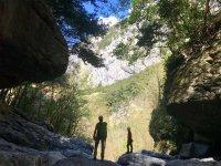 在拉内斯托萨峡谷漂流