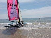 Catamaran de la escuela de vela
