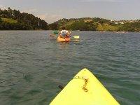 Diviértete en una canoa