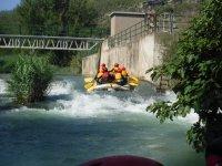 Haciendo rafting en Teruel