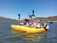 集团皮划艇的沼泽中卡沃内拉斯