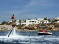 Flyboard养一只手从上海滩集团船拍摄Flyboard力提升悬滑板