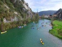 En canoa por Deva