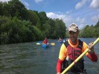 Remando en una canoa en Unquera