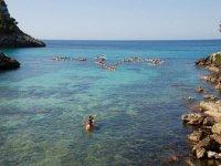 Navegar en canoa en Menorca