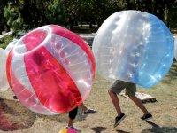 Jugadores de futbol burbuja en Avila