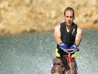 Iniciación al esquí acuático en Menorca