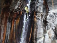 Bajando por la cascada